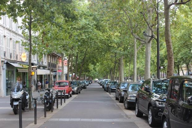 Calçada da Avenue Daumesnil: onde ficava nosso primeiro apartamento