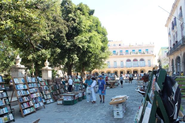 Feira de livro permamente na Plaza das Armas